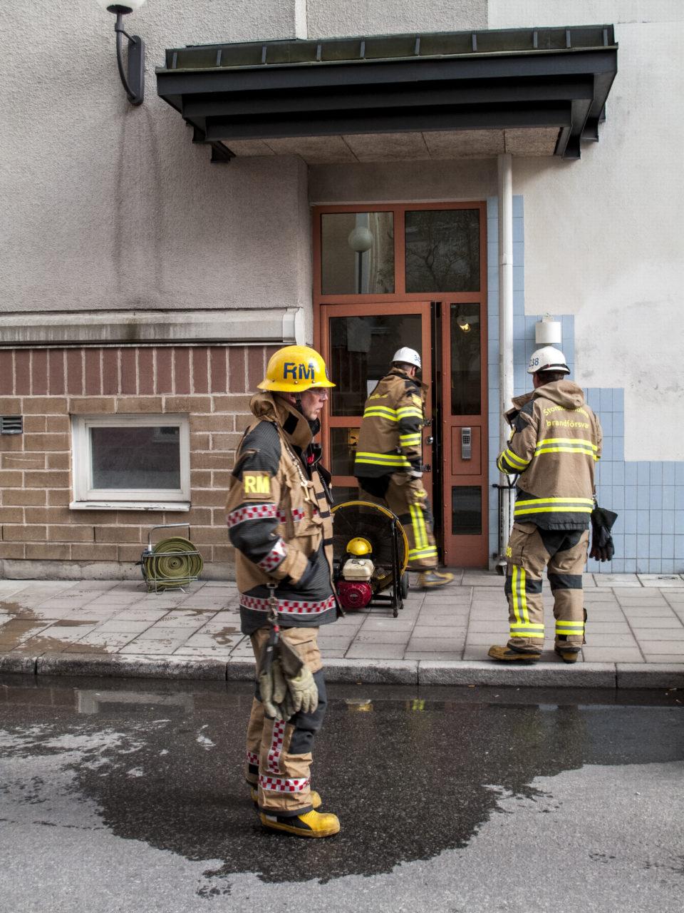 Brand i källarkontor, Fatburskvarnsgatan 24, Södermalm, Stockholm. Foto: Johan Lindsten/EPS